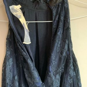 grace and desire Dresses - EUC Navy Blue Lace dress size XS Grace and Desire